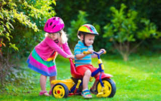 Детский четырехколесный велосипед (с ручкой и без): рейтинг, с какого возраста можно кататься
