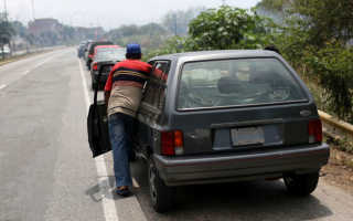 Машина не идет в гору. Почему двигатель не тянет? Причины падения мощности. Загрязнённые или старые свечи зажигания