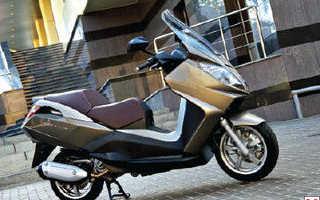 Городской макси-скутер Peugeot Satelis 2 400i