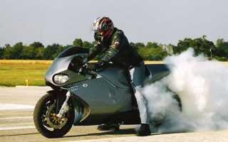 Дым из-под двигателя мопеда — что делать?
