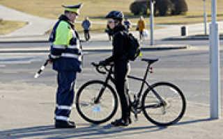 Велосипедист на пешеходном переходе, правила перехода и проезда на велосипеде