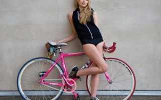 Велосипед весом не более 11 кг и с обвесом не менее Deor XT