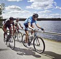 Велоодежда для мужчин: на разные сезоны, с отражателем, зачему нужна, аксессуары